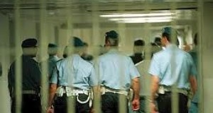 Agente di polizia penitenziaria del carcere Ucciardone di Palermo si uccide nella sua casa a Trapani
