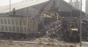 Incendio discarica di Bellolampo - SCARICO RIFIUTI INDIFFERENZIATI - 6/8/2012 - PH M.G.